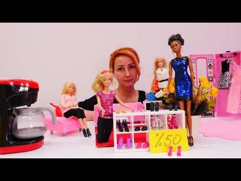 Barbie Alışveriş Oyunu. Özge'nin Mağazasında Ayakkabı Indirimi