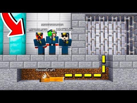 RS ESCAPE PRISON! 😱 SECRET MINECRAFT TUNNEL!
