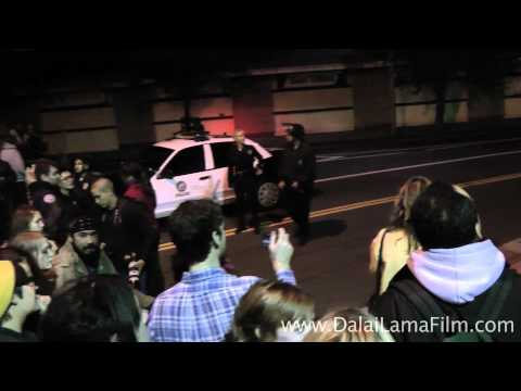 Occupy LA Mini Documentary: Night of Eviction, Protest, LAPD Police Arrests on 11-29-2011 - in HD
