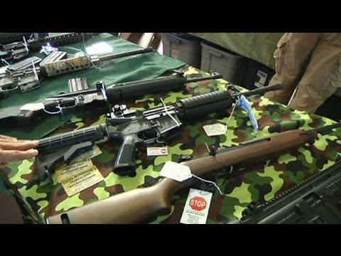 les fusils d 39 assaut restent en vente libre aux etats unis youtube. Black Bedroom Furniture Sets. Home Design Ideas
