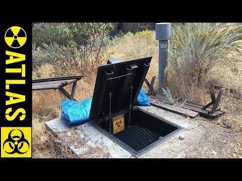 SECRET Modern Bunker Loaded Up With Supplies For Doomsday - '30 Day Bunker Challenge'