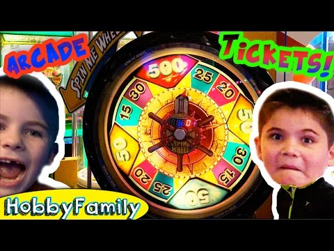 ARCADE GAMES at Great Wolf Lodge! Texas Family Fun + Video Gaming with HobbyKids