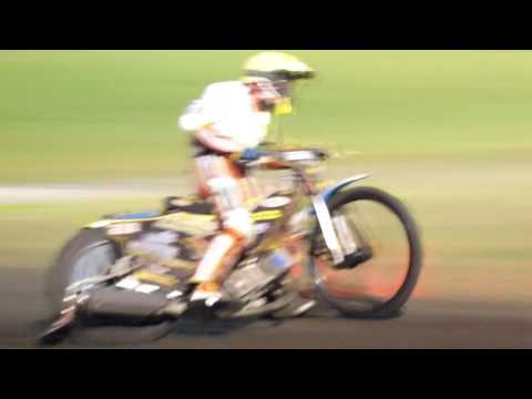 speedway veenoord 24 sept  2016 Gouden helm  Heat 9  1e adrian gheorghe  2e buddy prijs  3e romano h