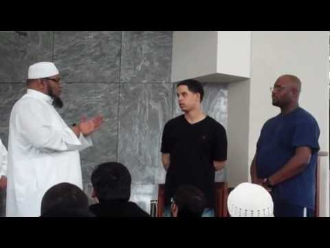 2 Brothers take the Shahada after Jummah Prayer
