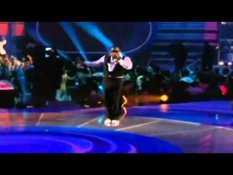 Kanye n Jamie Foxx- Gold Digger Live 2005