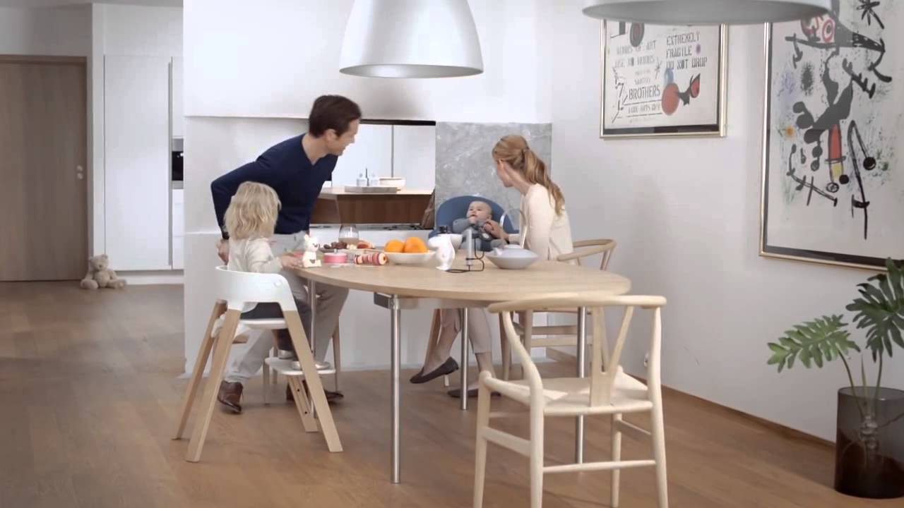 Stokke steps the bouncer and highchair combination youtube for Chaise haute stokke