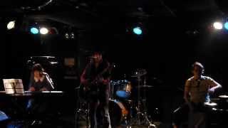 福岡で活動中のシンガーソングライターHiroのライブ! 2012年9月26日 森...