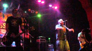 Trotsky Vengaran-Llueve-Punk Assault III-Auditorio Oeste-28/11/11