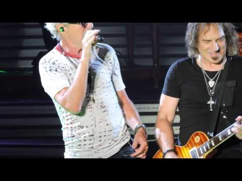 REO Speedwagon Keep On Loving You  Roll With The Changes  2017