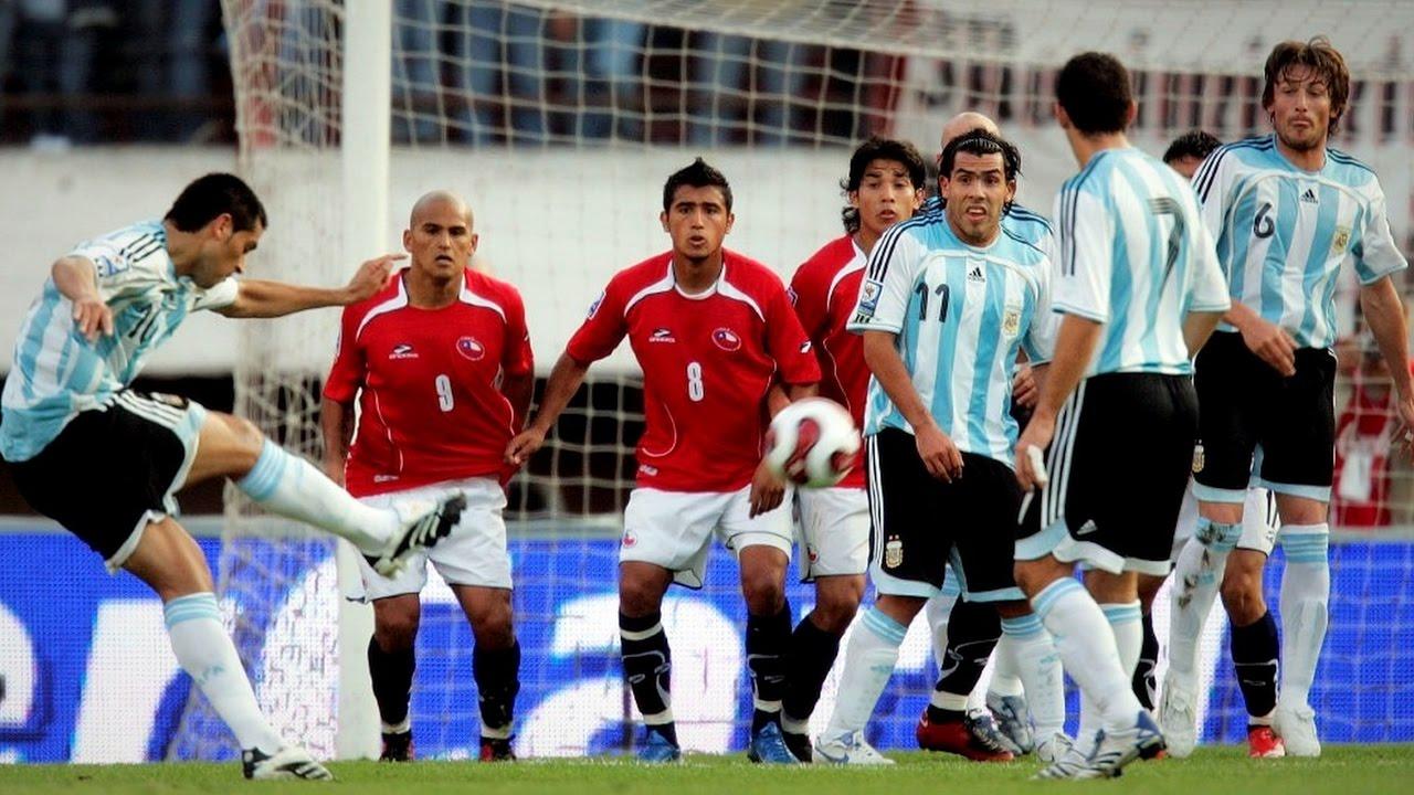 Los goles de Tiro libre de Riquelme a Chile HD - YouTube