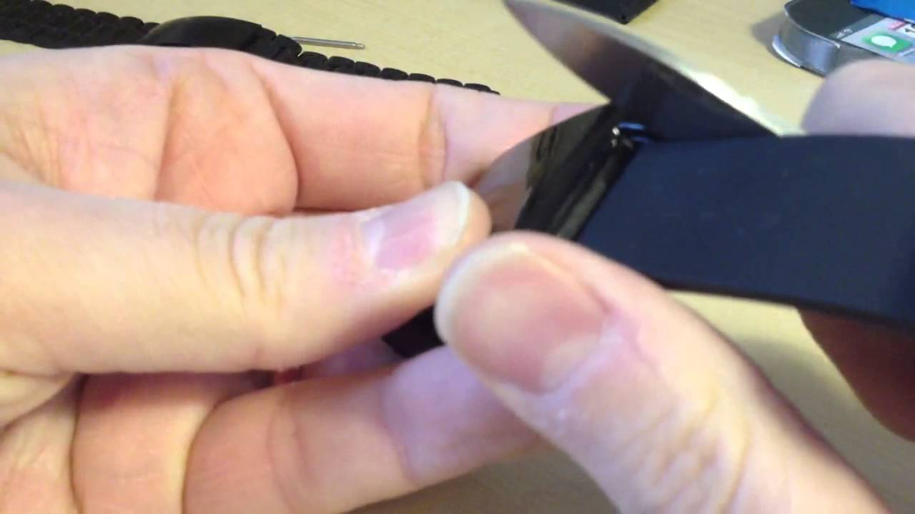 how to change a pebble watch strap