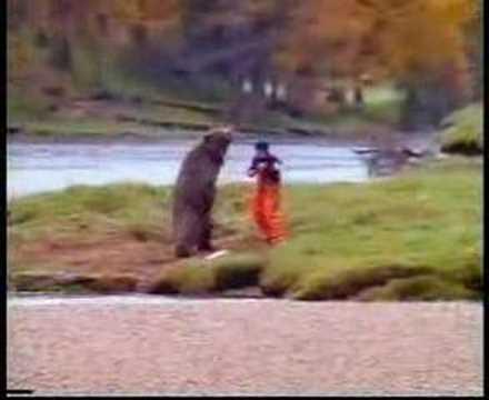 Omul se intalne? te cu ursul