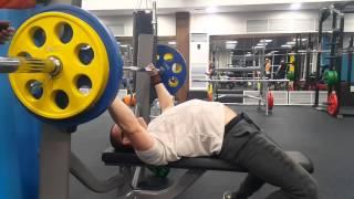 Жим лежа 90 кг на 3 раза 24 03 2016