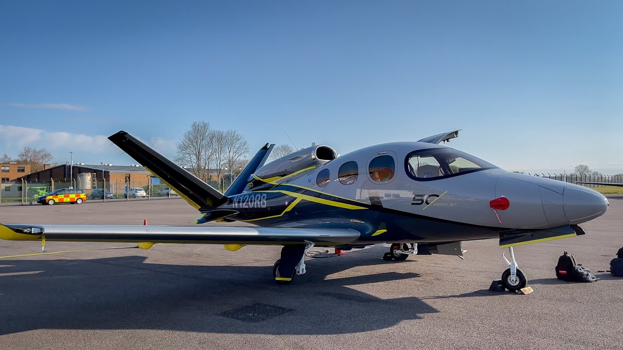 Cirrus SF50 Vision Jet - Cranfield To Gloucester | Flight Vlog
