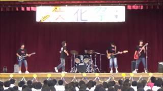 THE SHOCKIESという中学生バンドです。 ザ・ハイロウズのサンダーロード...