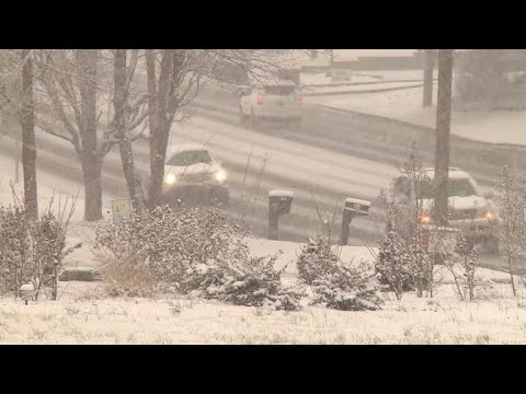 Winter storm brings crippling snow and ice to South