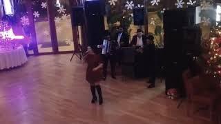 Georgiana Capanu si Orchestra NIKOLAS-Dar-ar naiba-n tine dragoste(Revelion 2019)