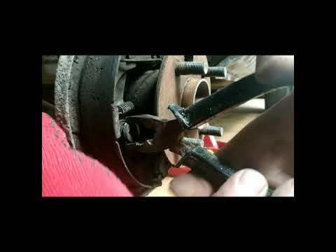 Замена тормозных колодок тойота королла / карина Toyota Corolla Carina E