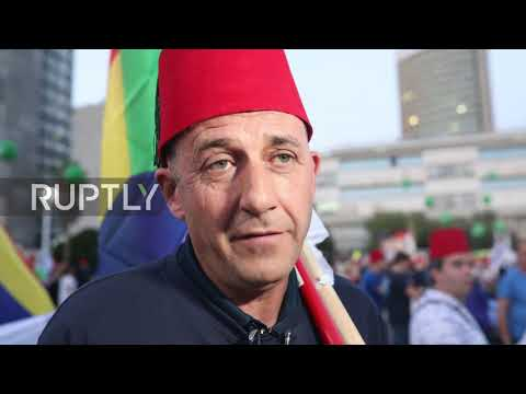Israel: Thousands rally against Netanyahu 'immunity law' in Tel Aviv