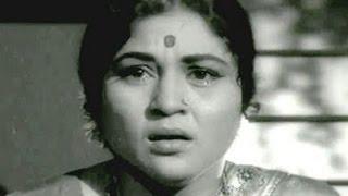 Kaun Tujhko Maa Kahega - Nirupa Roy, Lata Mangeshkar, Laadla Emotional Song