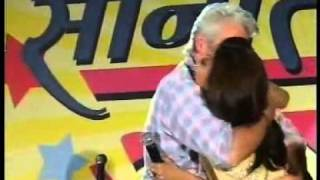 Video YouTube - Richard Gere kissing Shilpa Shetty.flv download MP3, 3GP, MP4, WEBM, AVI, FLV September 2018