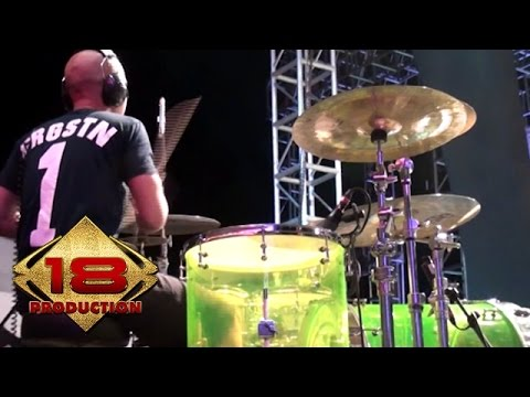 Endank Soekamti - Mantan Jadi Teman  (Live Konser Sragen 24 September 2014)