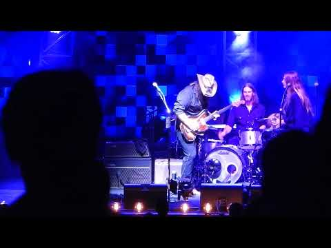 "Chris Stapleton ""I Was Wrong"" at Blossom Music Center"