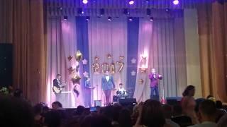 Выпускной 2017. Медлячок в красивом исполнении парней. Гимназия г. Щучина