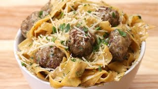 One-Pot Swedish Meatball Pasta thumbnail