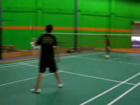 epic badminton match anthony (left hand) vs alton - YouTube