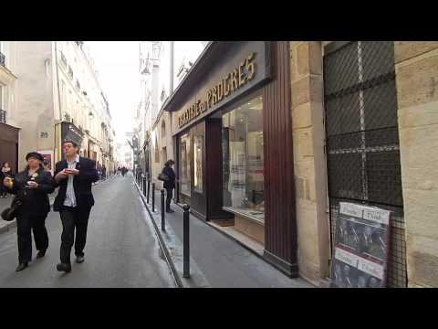 Girl's Guide to Paris Marais Walking Tour