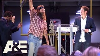 Country Buck$: Willie Robertson Shoots a Quiet Field Goal (S1, E7) | A&E