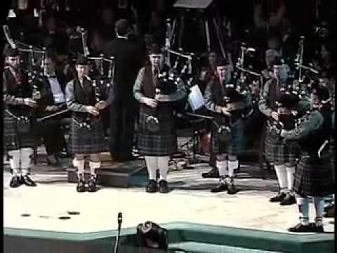 Duncan McCall Pipe Band / Little Drummer Boy