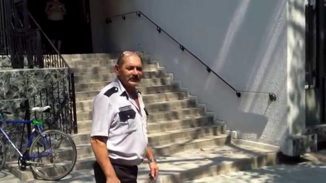Micu a plecat pe poarta din spate de la #CSM. Era protest ;-)