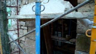 Levantamiento de dintel para construcción de puerta