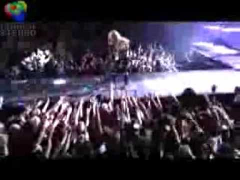 Singing Rock Star  Miley Cyrus and Selena Gomez.
