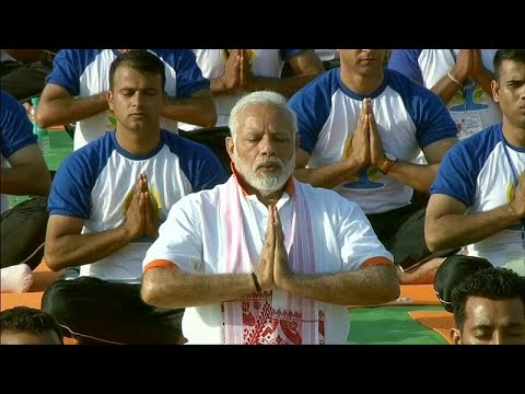 شاهد: رئيس وزراء الهندي يشارك الآلاف الاحتفال باليوم العالمي لليوغا…  - نشر قبل 2 ساعة