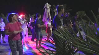 Вечерние танцы в Тунисе