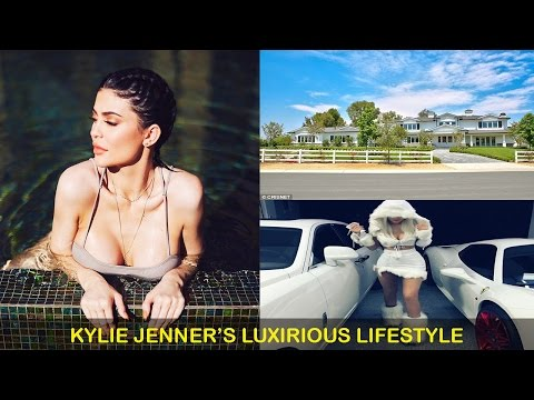 kylie jenner Net Worth-Houses-Cars-Business-Family and Luxirious Lifestyle