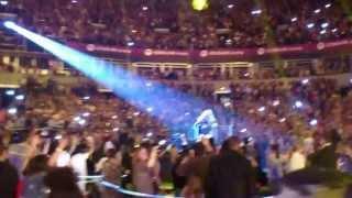 Beyonce - The Mrs. Carter Show World Tour - Irreplaceable - Belgrade (up-close!)