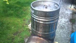 самодельная коптильня n2(сделана из двух пивных бочек., 2011-08-20T21:49:00.000Z)