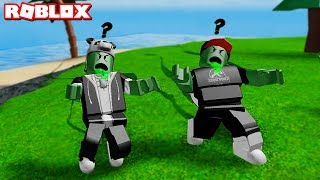 Who's the Fastest Zombie? Zombie Men And Chased Everyone - Roblox Zombie Tag with Panda