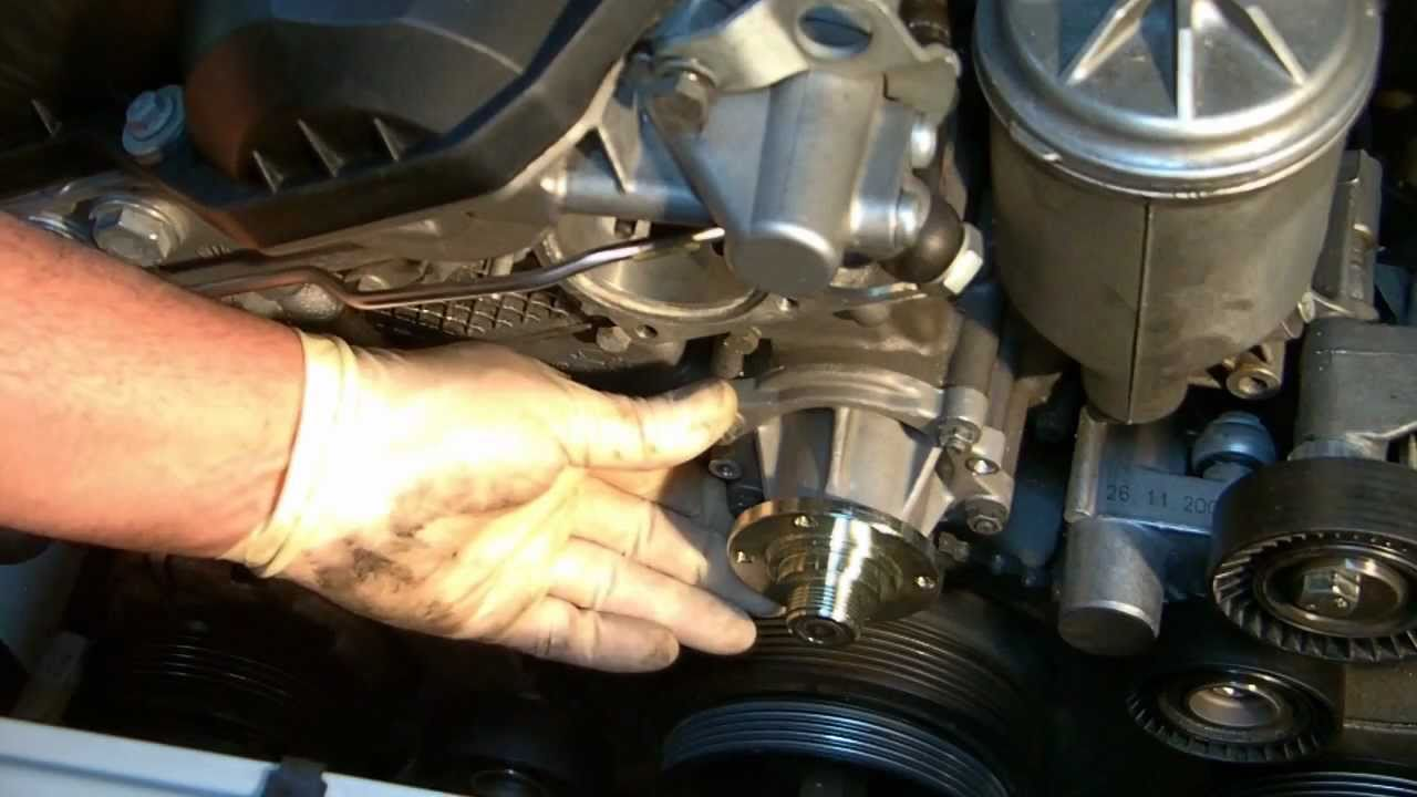 bmw e46 318i water pump location