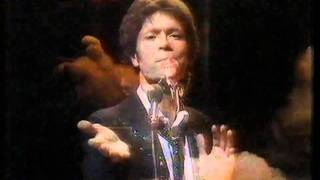 Cliff Richard - Little Town. Top Of The Pops 1982
