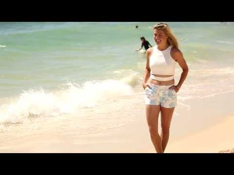Eugenie Bouchard hits the beach - Hopman Cup 2014