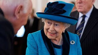 Queen Elizabeth Considering Retiring In 2021, Prince Charles To Take Over Say Reports