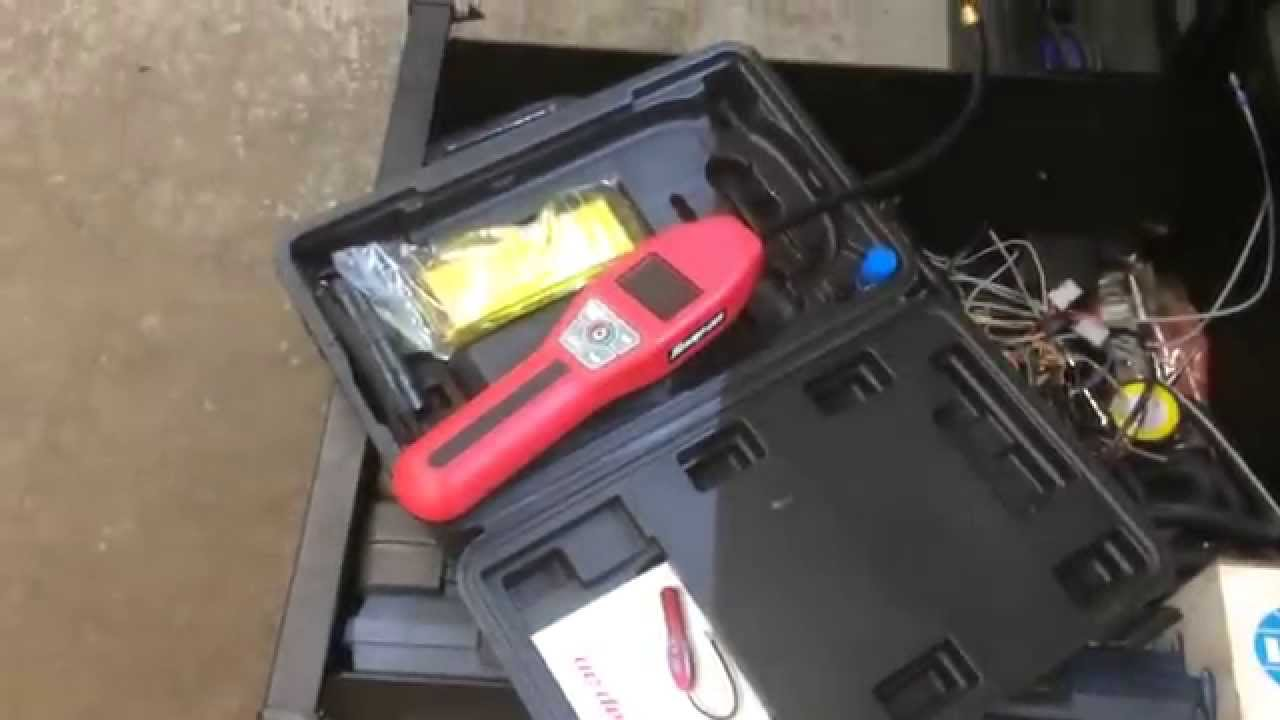 Snap On A C Leak Detector Youtube