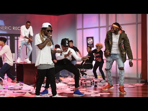 Chance the Rapper Performs 'No Problems' with Lil Wayne and 2 Chainz!