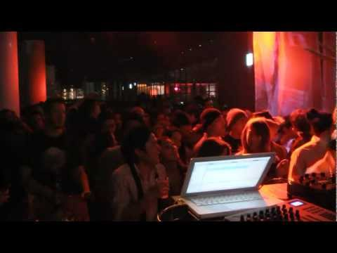 Whistlebump New Year's Eve 2010-2011 @ XEX Nihonbashi - Video