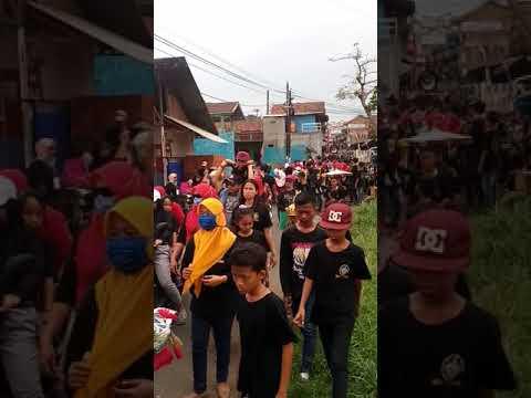 Warga Cibiru Bandung Mulai Bersihkan Jalan Dan Rumah Youtube
